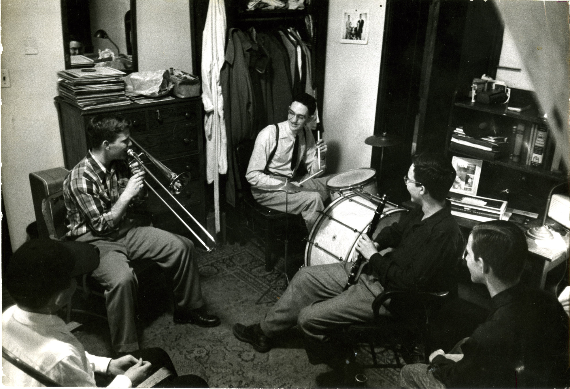 Jam session in dorm room